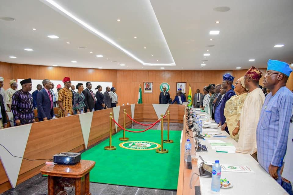 Photo of OGUN REVERSES 75 CORONET OBAS' APPOINTMENTS  … creates new MDAs